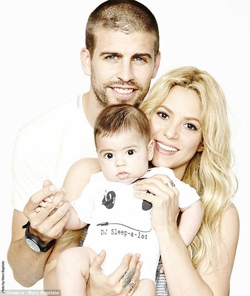 shakira-with-first-baby