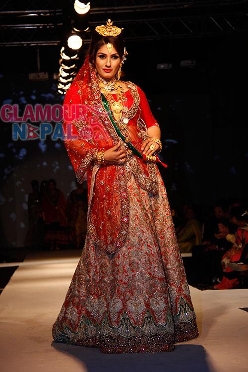 Jewellery Fashion Show 2014 (71) Raveena Tandon