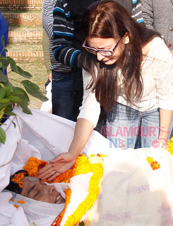 Namrata-Shrestha-Crying-on-Aloks-Death