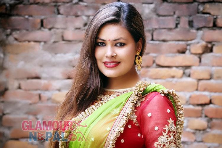sunita-dulal-popular-singer
