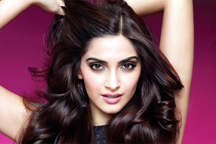 sonam kapoor indian actress