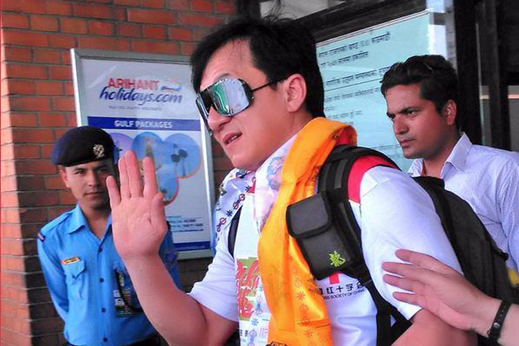 Jackie Chan in Nepal for earthquake victims