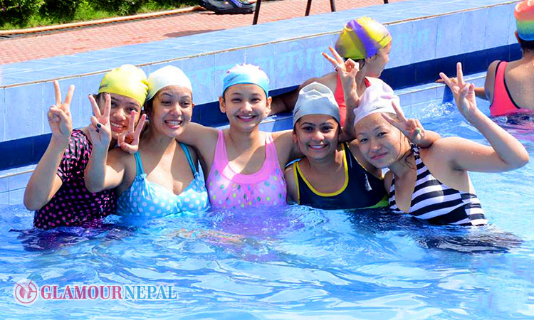 Miss Teen 2015 contestants in Swimming Pool Photo