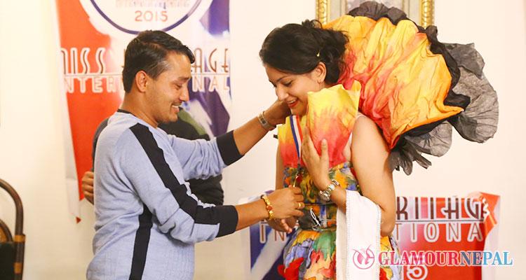 Nisha Pathak wins Gold at Miss Heritage International 2015