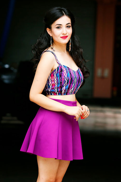 Deepika Padukone And Salman Khan Movie Model / Actress Aditi ...