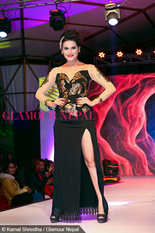 actress-reema-bishwokarma-de-celebrity-runway