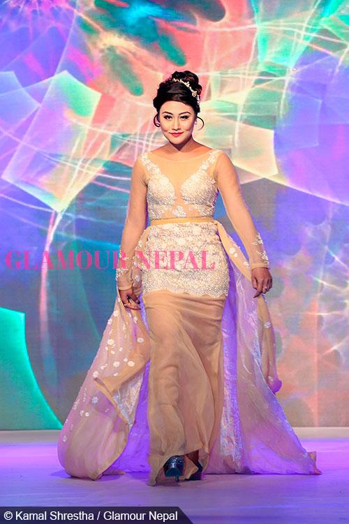 ashishma-nakarmi-de-celebrity-runway