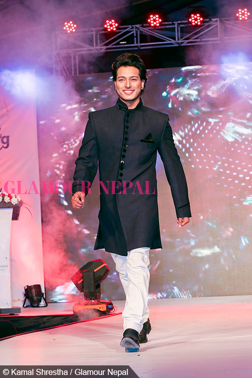 puspa-khadka-de-celebrity-runway