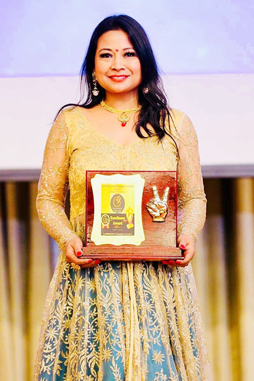 Manisha awarded with The Woman Entrepreneur Excellence Award 2019 in Dubai